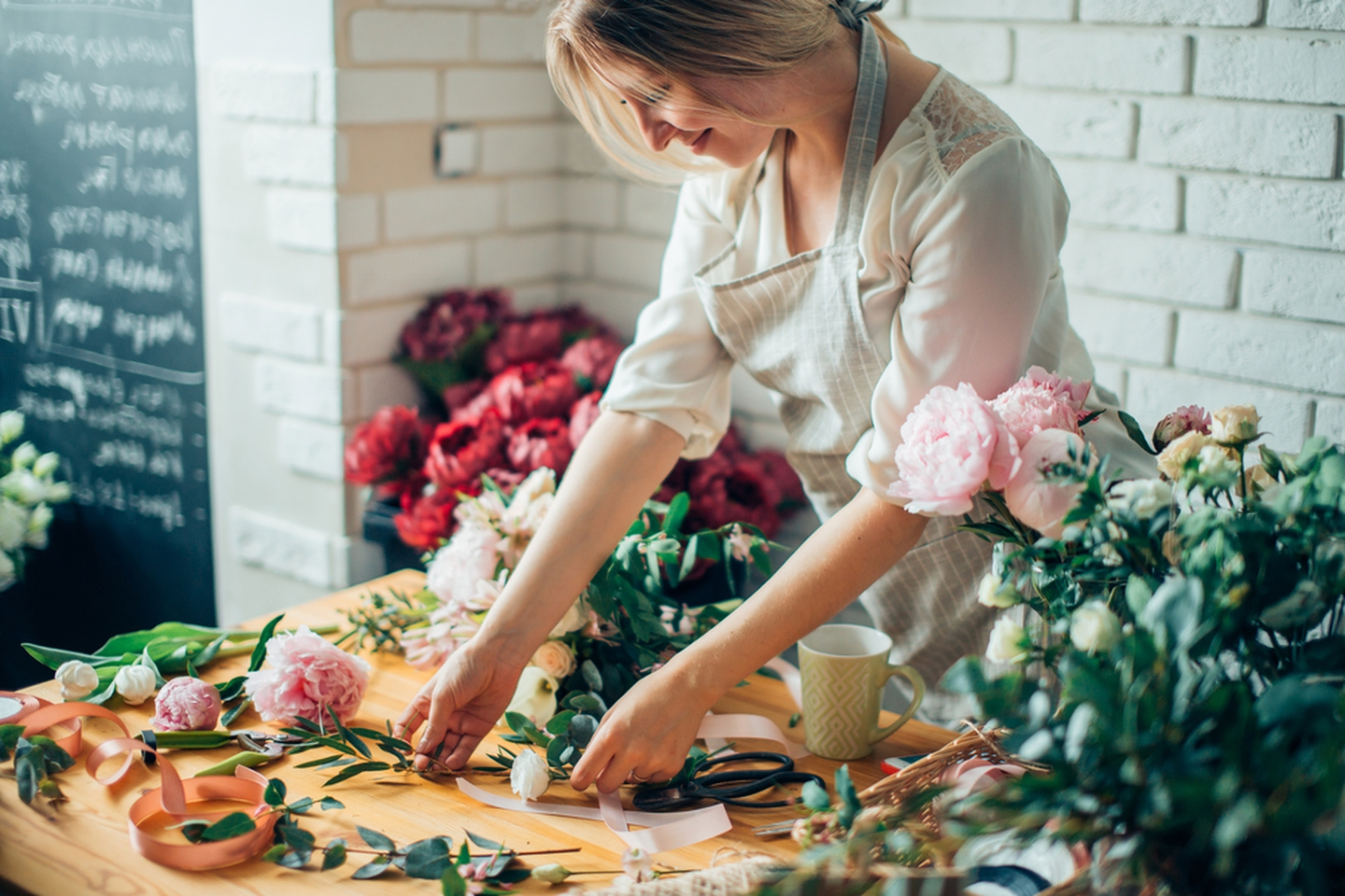 Guide To Buying Silk Flowers - Popi Place